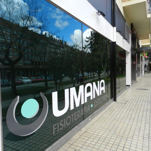 Fachada Umana fisioterapia y osteopatia en Barañain